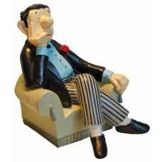 Book end Loriot, man in chair